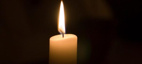 single-candle-604x272